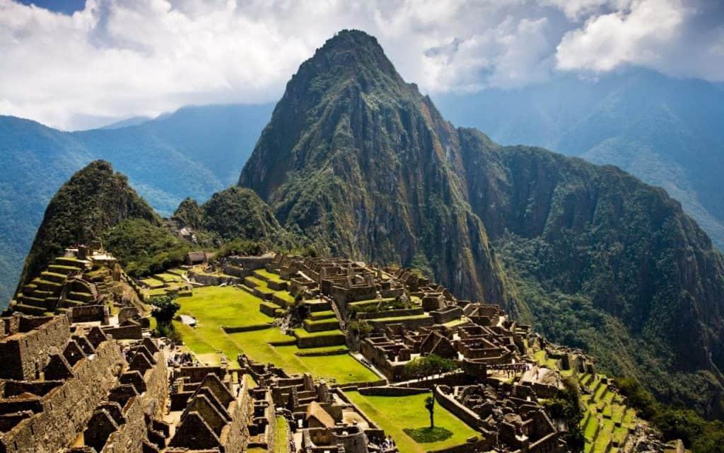 Machu Picchu Aufnahme mit Huyana Picchu