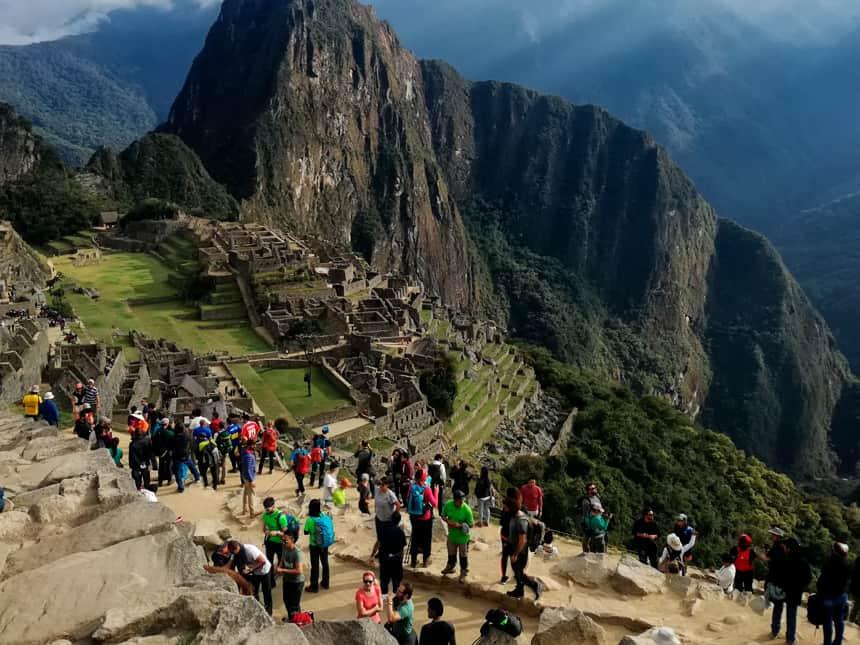 Machu Picchu mit Touristen